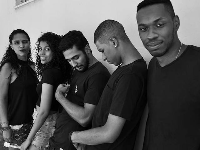 Conheça Syntonos, grupo que une black e pop no subúrbio do Rio