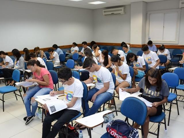 Governo prorroga inscrições para bolsa a estudantes da rede pública que ingressaram no ensino superior
