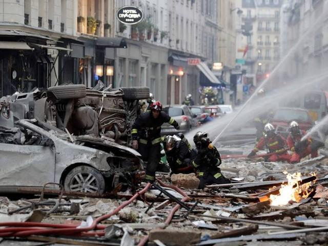 Explosão deixa quatro mortos e mais de 30 feridos no centro de Paris
