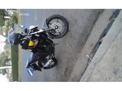 Vendo Linda Motocicleta Yamaha FZ