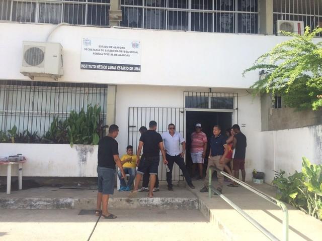 Atraso na liberação de corpos foi causado por falta de peritos e técnicos, diz IML