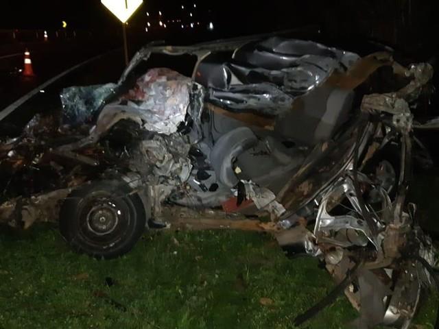 Quatro pessoas morrem em acidente envolvendo carro e ônibus na BR-393, em Barra do Piraí