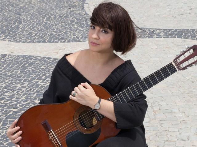 Peça sobre Nara Leão destaca facetas pouco conhecidas da cantora
