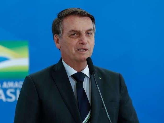 """Alemanha """"vai deixar de comprar à prestação a Amazônia"""", diz Bolsonaro"""