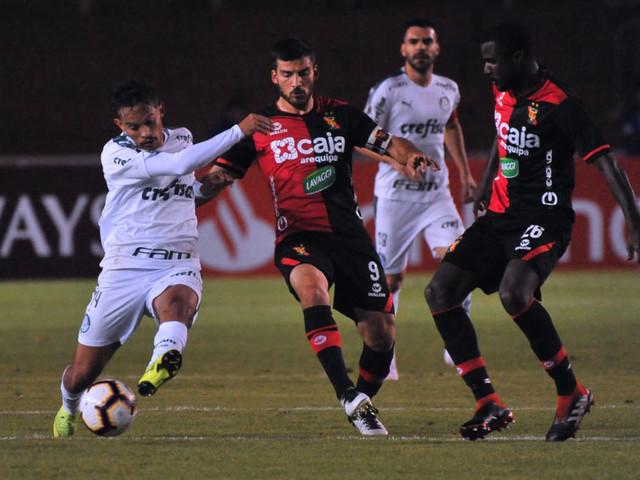 """Scarpa brinca e chama Thiago Santos para briga: """"Cinco minutos sem perder amizade"""""""