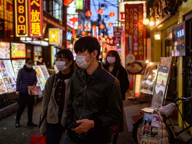 """Com poucos testes e sem lockdown, """"mistério"""" sobre baixa mortalidade no Japão é revelado"""