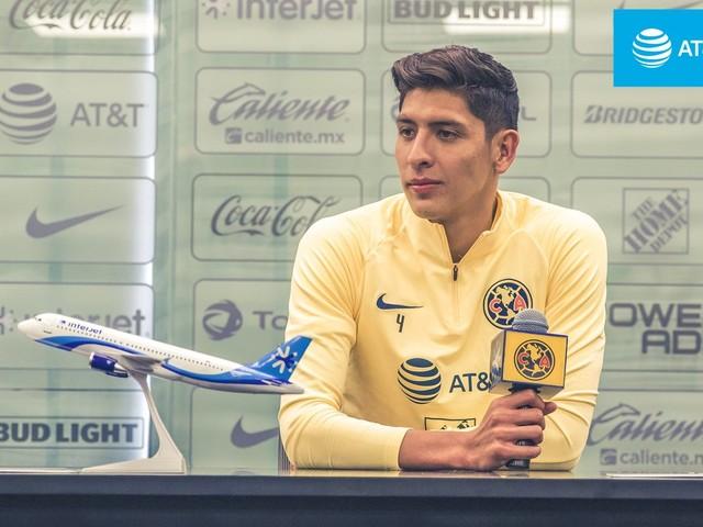 Para ocupar a vaga deixada por de Ligt, Ajax contrata zagueiro mexicano