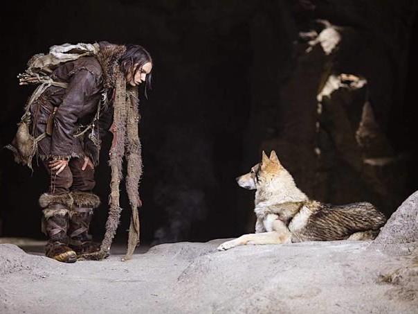 """""""Alfa"""": na Era do Gelo, o primeiro encontro entre um menino e seu cão"""