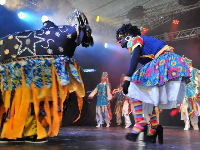 Grupo de dança Acauã da Serra, de Campina Grande, apresenta turnê no Chile