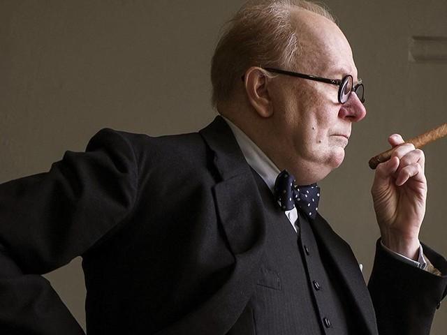 Gary Oldman teve envenenamento por nicotina após viver Churchill em filme