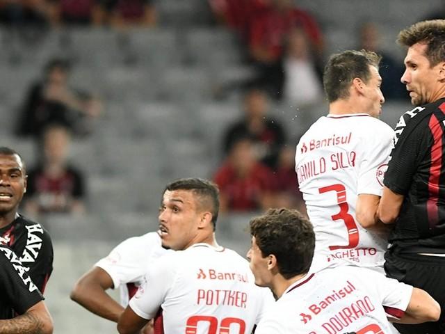 Mais equilibrado, Furacão agrada ao técnico Tiago Nunes