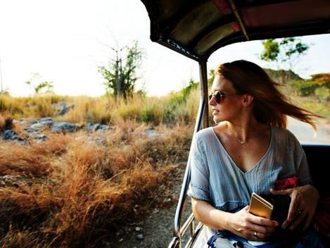 Viajando sozinha: 8 dicas para mulheres viajantes