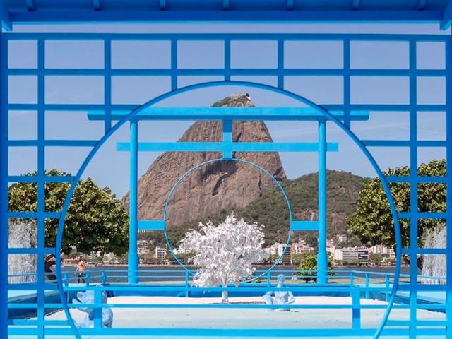Futuro e decomposição dividem ruínas em instalações de Daniel Arsham e Azuma Makoto