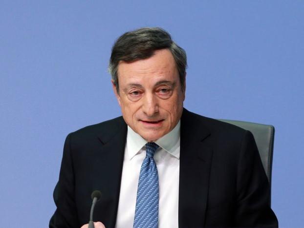 Riscos para a economia da zona do euro continuam, diz BC europeu