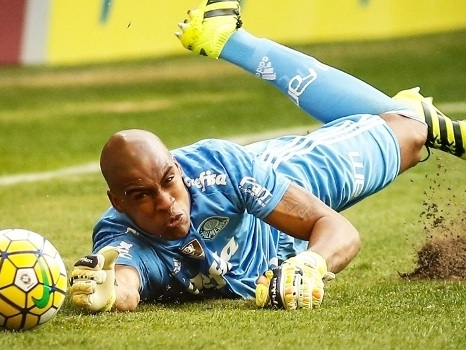Jailson, a surpresa de Cuca, salvou o Palmeiras. Defendeu pênalti de Diego e garantiu o empate em 2 a 2 contra o Flamengo no Rio. Fernando Prass virou reserva…