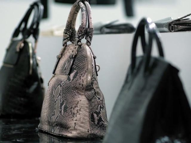 Prada anuncia que não usará mais peles de animais em seus produtos