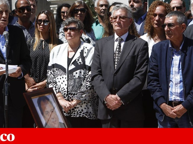 """Centenas no """"até sempre"""" a Ruben de Carvalho, ao som da Carvalhesa"""