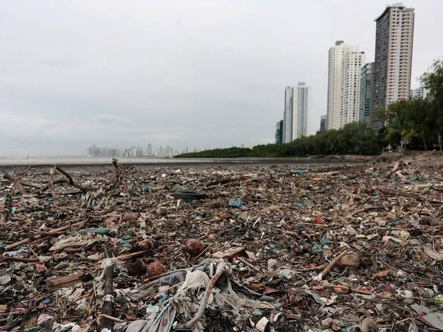 Panamá se torna primeiro país da América Central a banir sacolas plásticas