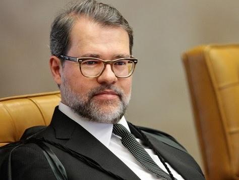 """Dias Toffoli defende 'isolamento diagonal' e afirma: """"O Brasil não pode parar."""""""