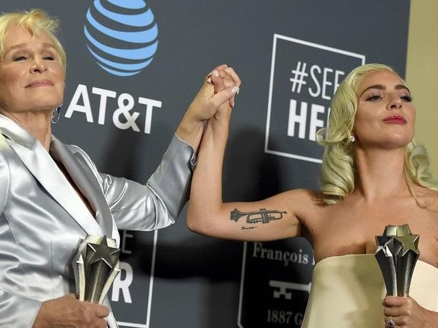 """Artista completa, Gaga leva """"Melhor Atriz"""" e """"Melhor Canção Original"""" no Critics' Choice Awards"""