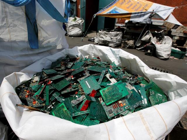 Em 2016, o mundo produziu 44,7 milhões de toneladas de lixo electrónico