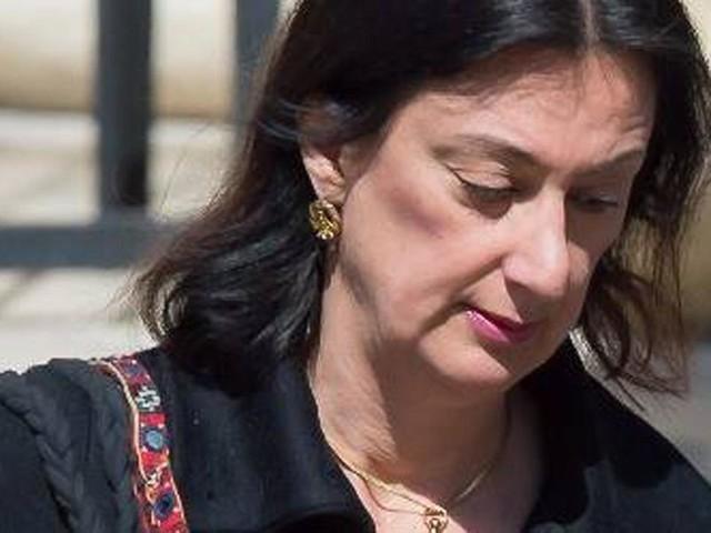 Explosão de carro mata jornalista que investigava Governo de Malta no 'Panama Papers'