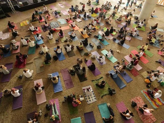 Domingo é dia de yoga e cultura indiana no Museu da República, no Catete, na Zona Sul do Rio