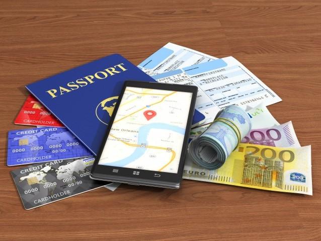 """Como """"sobreviver"""" a uma viagem usando apenas um smartphone e os apps certos"""