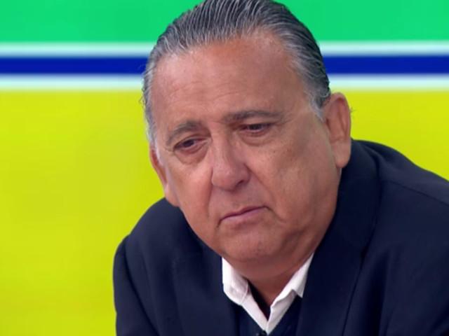 Galvão Bueno sofre grave acidente durante gravação de reportagem e barco do narrador afunda