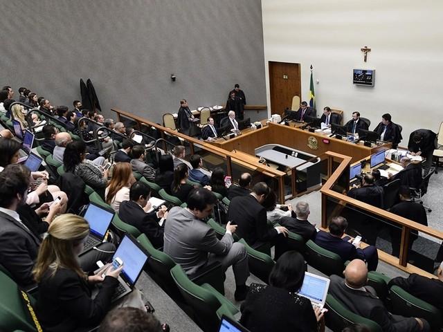 STJ mantém condenação de Lula