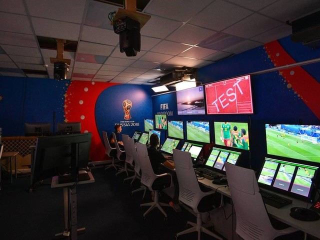 No Brasil, árbitro de vídeo pode ter até um quarto das câmeras da Copa