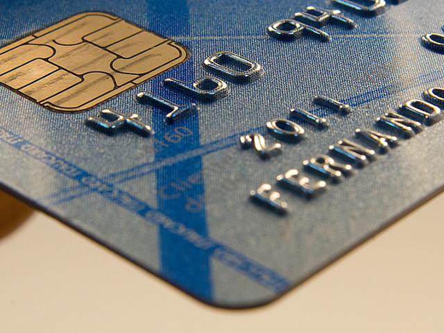 Febraban estuda ações para reduzir juros do cheque especial