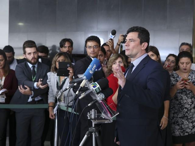 Brazil's Moro Delivers New Anti-Crime Bill to Congress