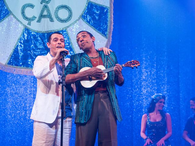 Musical revê trajetória de Zeca Pagodinho entre a fábula e a retrospectiva