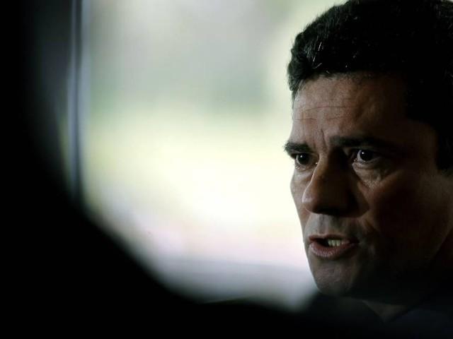 'Objetivo não é criar esquadrões policiais para matar criminosos', diz Moro