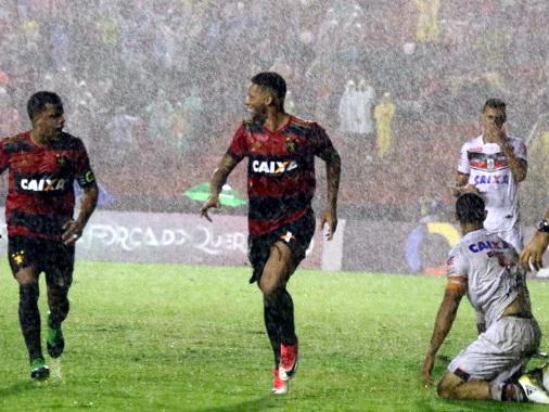 Sob toró na Ilha do Retiro, Sport goleia o Atlético-GO e volta ao G6 do Brasileirão
