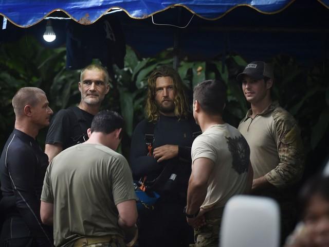 Os heróis que salvaram os 12 meninos e seu técnico de caverna na Tailândia