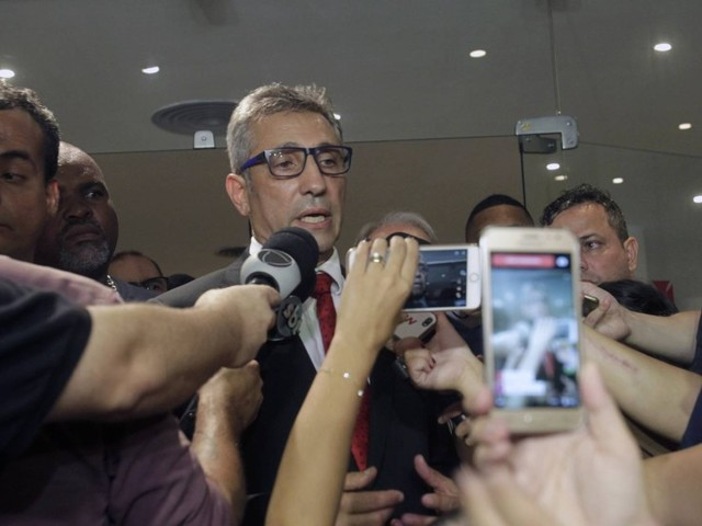 Juiz confirma liminar que anula eleição no Vasco e marca votação para dezembro