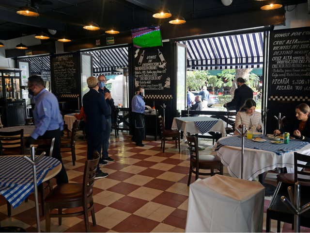 Mexico City Restaurants Defy COVID-19 Shutdown
