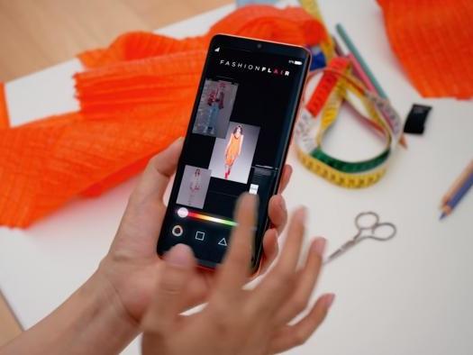 Estilista cria coleção de 22 peças usando IA do Huawei P30 Pro