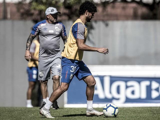 Entenda por que o Santos aceitou a troca entre Victor Ferraz e Madson