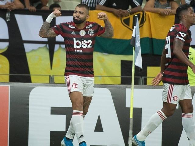 Flamengo vence o Ceará com gol de bicicleta e lidera o Brasileiro