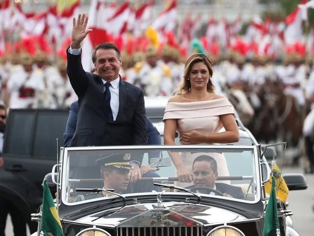 Extrema-direita assume o poder no Brasil: Bolsonaro é empossado