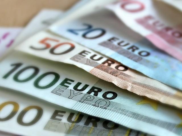 Quanto é que ganha, em média, um português?