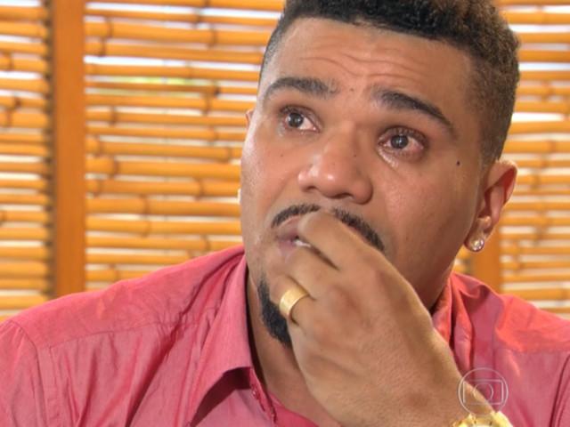 'Naldo está muito abalado, arrependido e chora o tempo todo', diz amigo