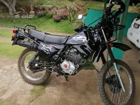 Se vende moto Raybar Blade 150