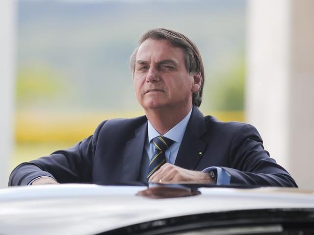 Parlamentares preparam pedido de impeachment contra Bolsonaro por quebra de decoro