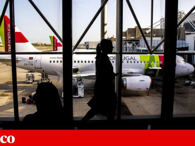 Passageiro multado em dois mil euros por ouvir música no telemóvel durante voo
