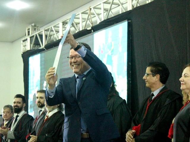 Governador, senadores, deputados estaduais e federais são diplomados em RO