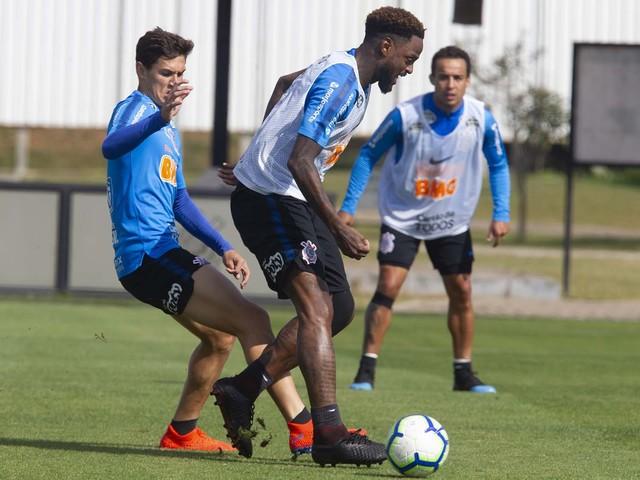 Confira as fotos do treino do Corinthians deste sábado